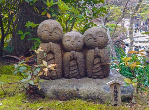 Jizo Figuren beim Hase-dera Tempel