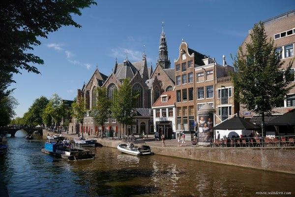 Bild: Oude Kerk in Amsterdam