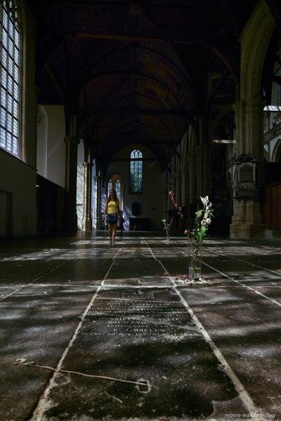 Bild: Innenraum der Oude Kerk in Amsterdam
