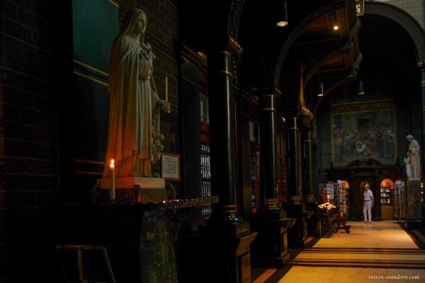 Bild: Innenraum der Sint Nikolaaskerk