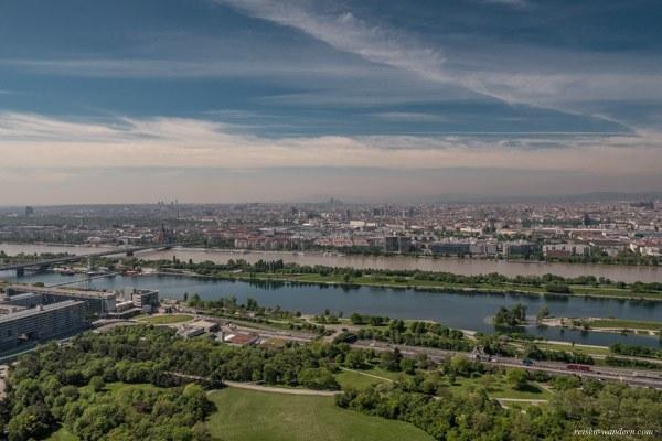 Blick vom Donauturm auf Altstadt Wien