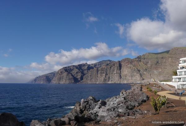 Felsen von Los Gigantes von Puerto de Santiago