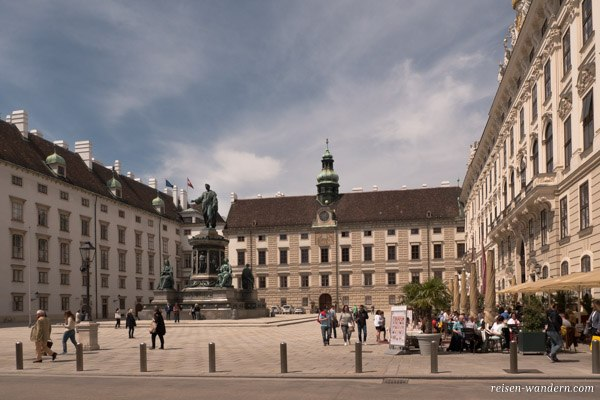 Platz in der Hofburg in Wien