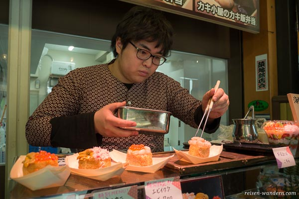Sushi Streetfood in Ginza auf dem Fischmarkt
