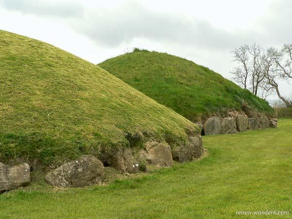 Hügelgräber von Knowth in Irland