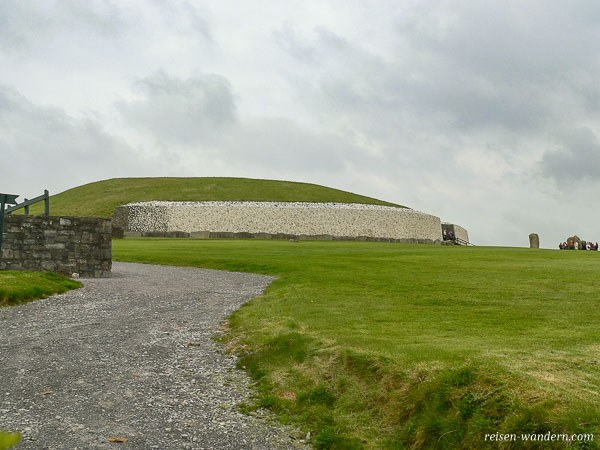 Hügelgrab Newgrange in Irland