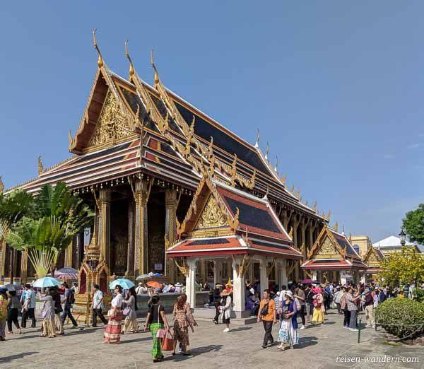 Tempel mit Smaragdbuddha beim Großen Palast in Bangkok