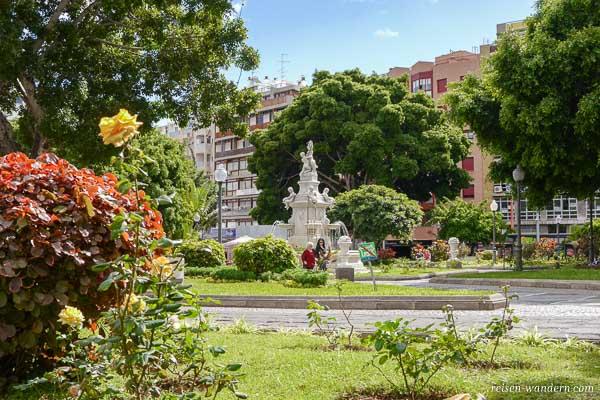 Park an der Calle Juan Pablo II in Santa Cruz de Tenerife