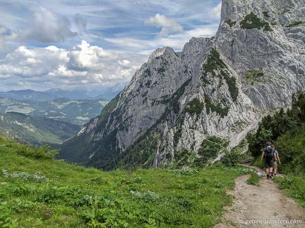 Wanderweg von der Stripsenkopfalm im Kaisergebirge