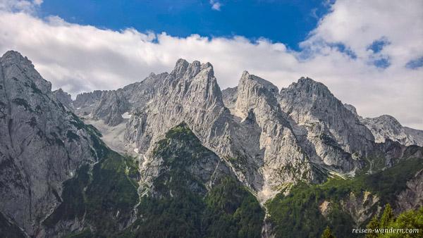 Felsmassiv des Kaisergebirge bei der Stripsenkopfalm