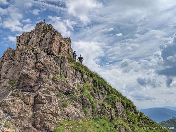 Seilsicherungen am Abstieg vom Marocker Klettersteig