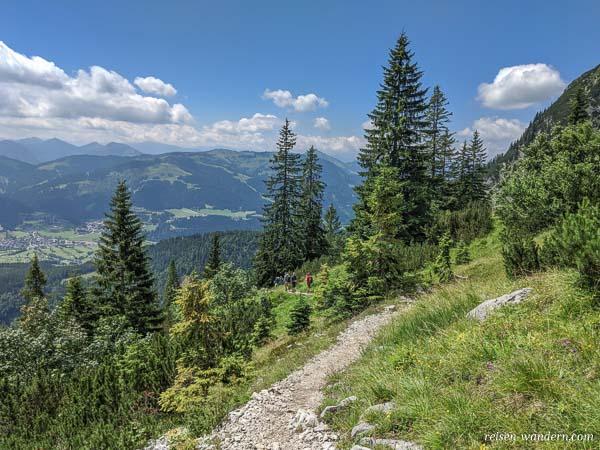 Wanderweg im Wilden Kaiser zur Gruttenhütte