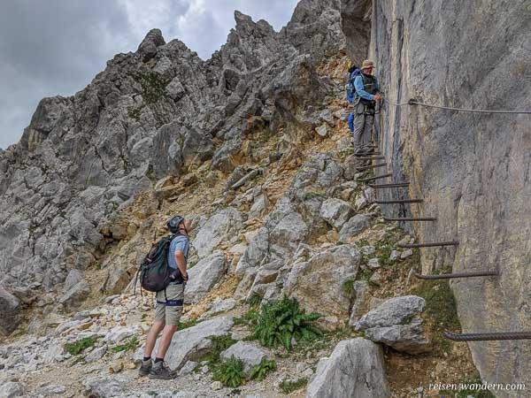 Beginn der Jägerwand Treppe am Gamsängersteig