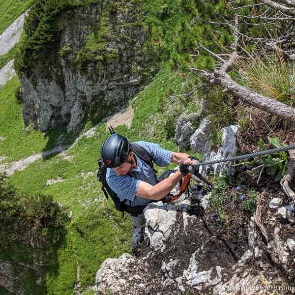 Kleiner Überhang am Klamml Klettersteig