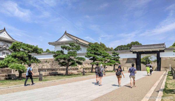 Zugangsbereich Otemon Tor beim Osaka Castle