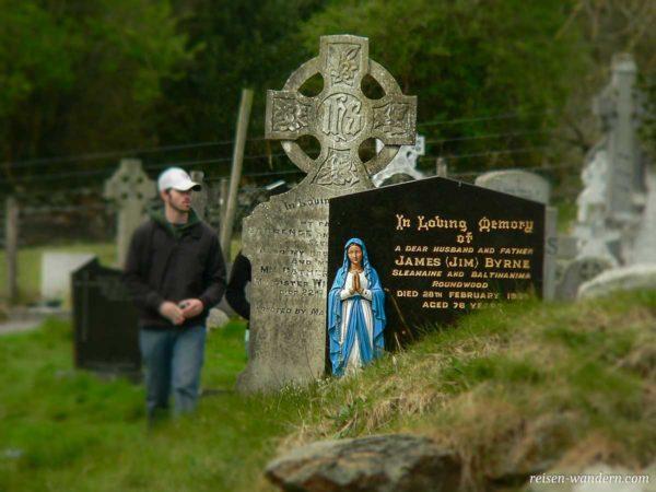 Grabsteine in Glendalough