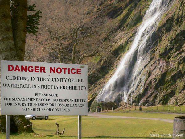 Hinweisschild beim Powerscout Waterfall - Nicht klettern