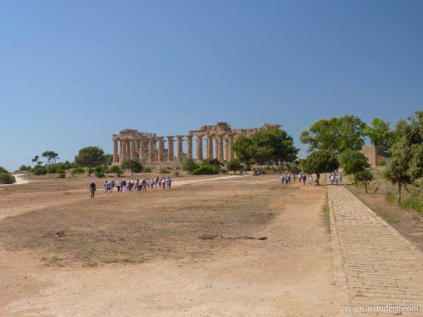 Weg zum Tempel E in Selinunt