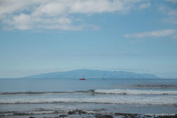 Blick auf La Gomera von Los Cristianos