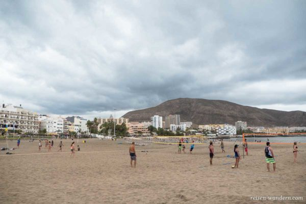 Beachvolleyballfelder am Strand von Los Cristianos