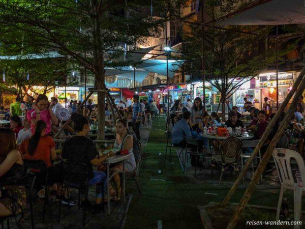 Foodbereich im Freien in Bangkok