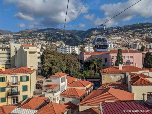 Seilbahn über der Altstadt von Funchal