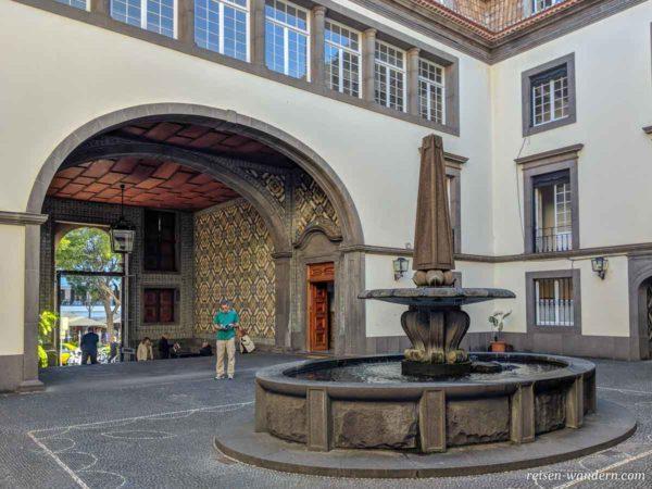 Kachelwand-Verzierungen in Funchal auf Madeira