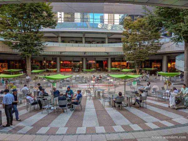 Cafebereich im Shinjuku I-Land Tower