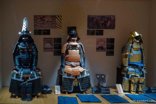Samurai-Rüstungen im Samurai Museum in Tokio