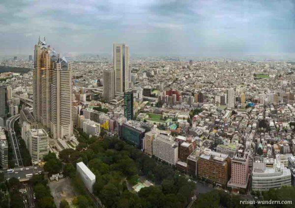 Blick vom Südtower auf Shinjuku