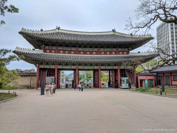 Tor Donhwamun im Changdeok Palast