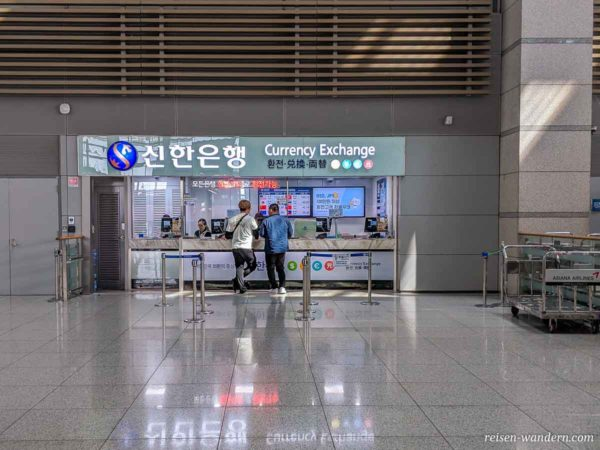 Wechselschalter für Euro in Won am Flughafen Incheon in Südkorea