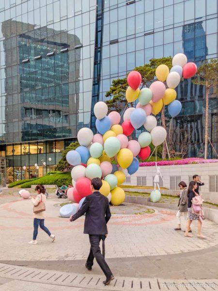 Skulptur aus Luftballons in Seoul