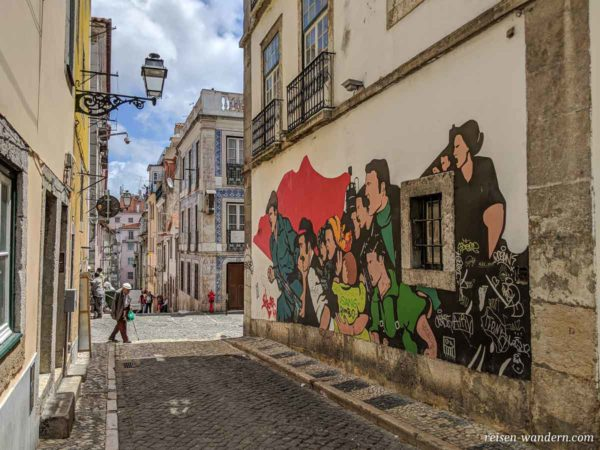 Wandmalerei mit Arbeiterbild im Stadtteil Bairo Alto