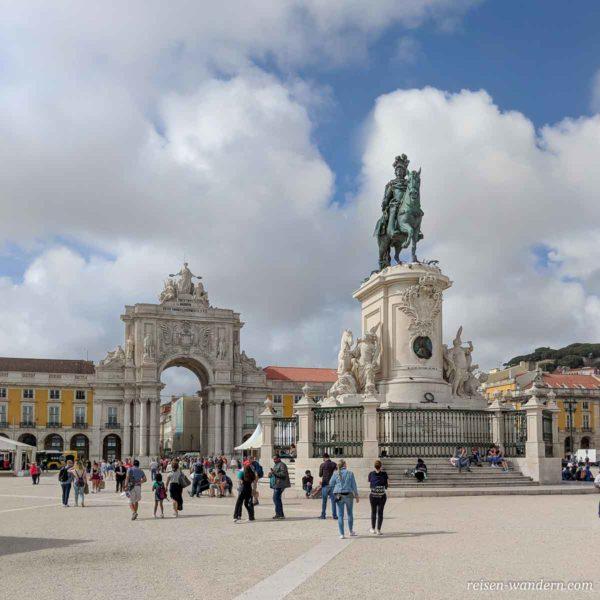 Platz Praça do Comércio