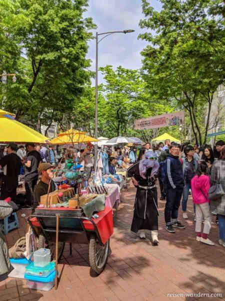 Kunstmarkt Hongdae Free Market in Seoul