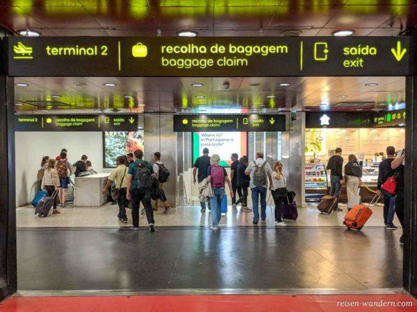 Transferbereich am Flughafen Lissabon