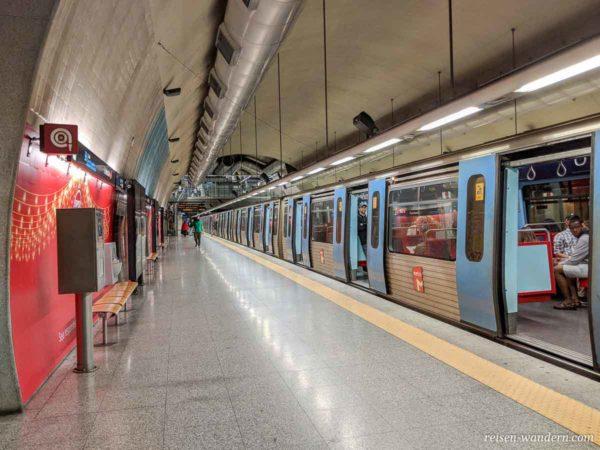 U-Bahn Station am Flughafen von Lissabon