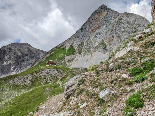Blick vom Einstieg des Sinabell Klettersteig zum Guttenberghaus