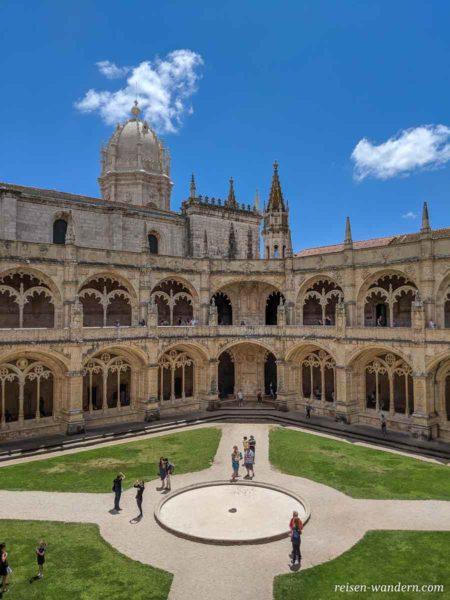 Kloster mit Kreuzgang im Mosteiro dos Jerónimos