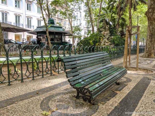 Parkbank auf der Allee Avenida da Liberdade