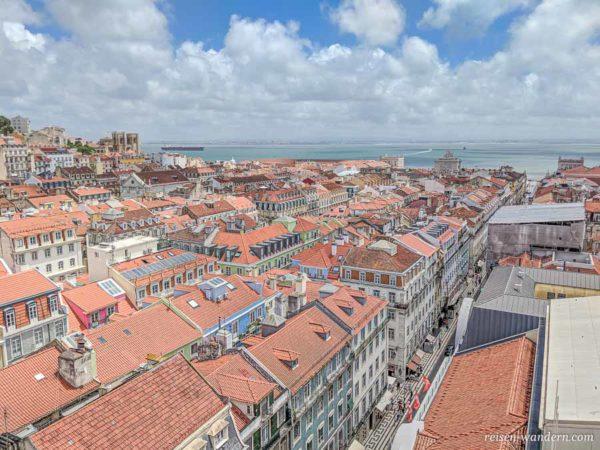 Blick auf Lissabon vom Elevador de Santa Justa