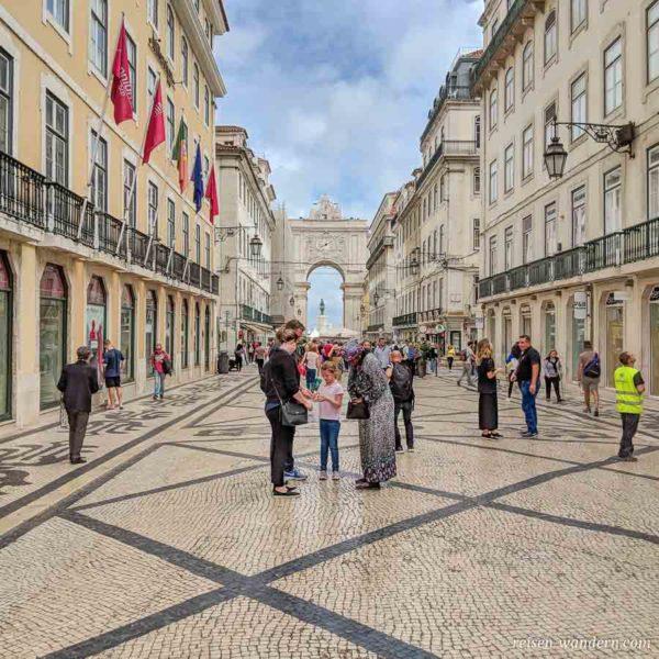 Blick auf den Arco da Rua Augusta von der Fußgängerpassage