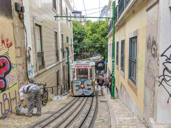 Standseilbahn Rua Câmara Pestana in Lissabon