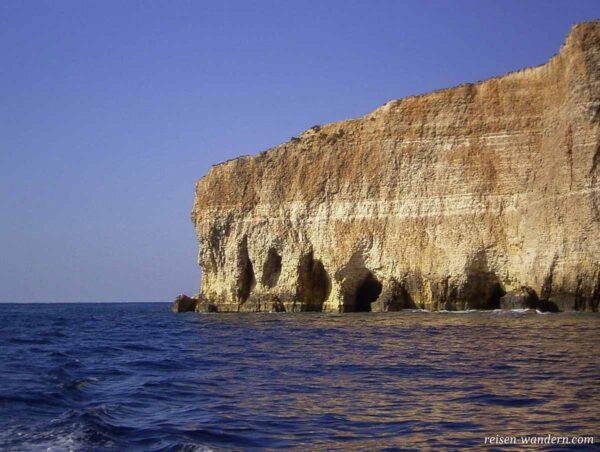 Felsformation bei der Insel Comino