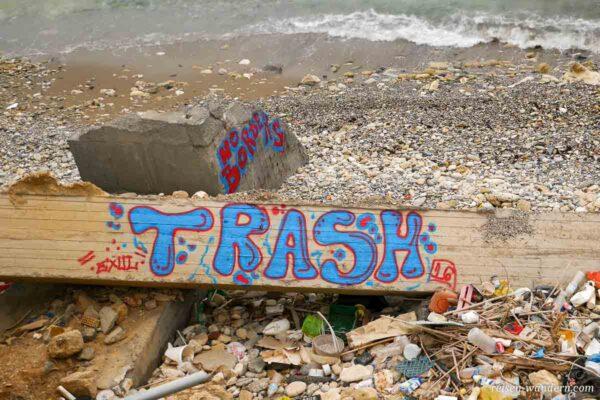 Müll am Ufer von Heraklion