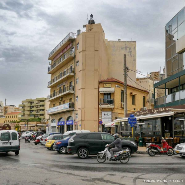 Straßenszene in Heraklion auf Kreta