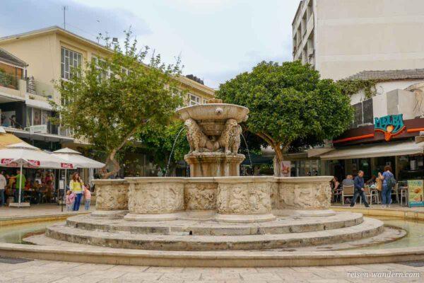 Morosini Brunnen oder Löwenbrunnen in Heraklion