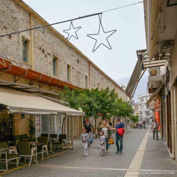 Fußgängerpassage mit Restaurant in Heraklion