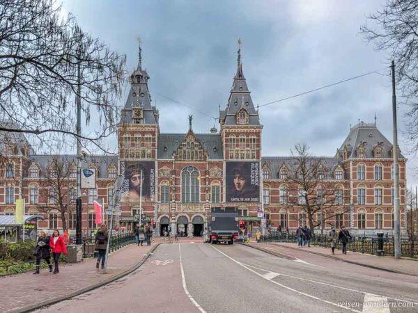 Vorderansicht des Rijksmuseum in Amsterdam